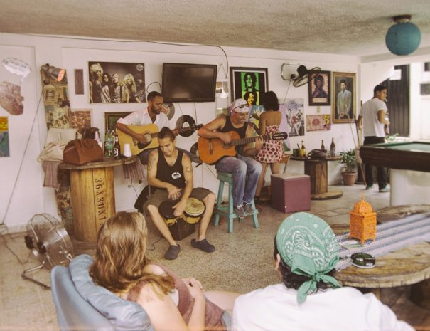 Mucho Calor playing live music - La Hamaca Hostel