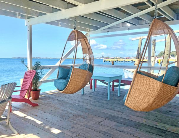 hanging-chairs-la-hamaca-hostel-utila